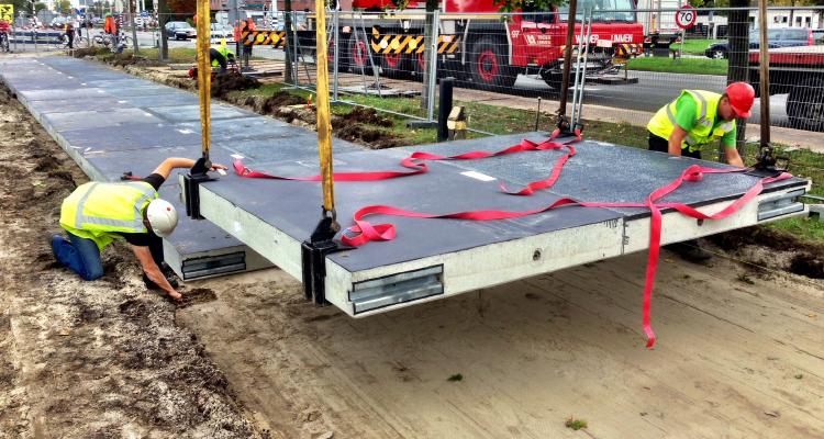 Solarradweg in den Niederlanden gebaut