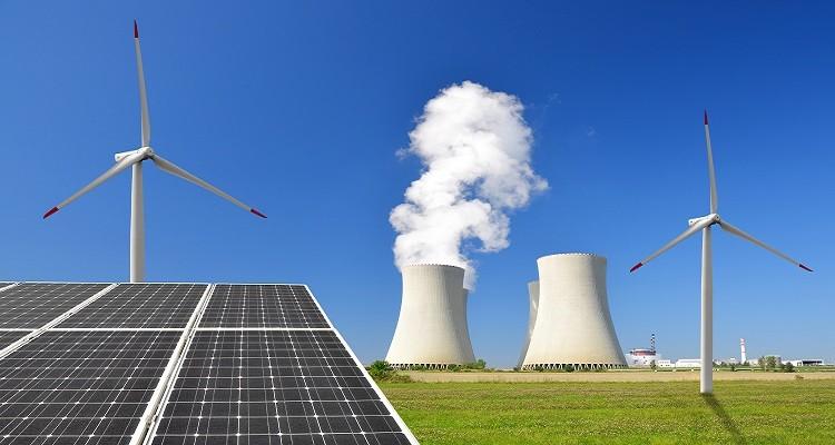 Stromerzeugung durch Erneuerbare teils günstiger als durch fossile Kraftwerke