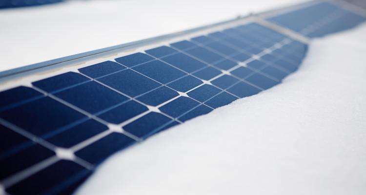 Photovoltaik im Winter: Schützen Sie Ihre Solaranlage vor Schnee und Eis