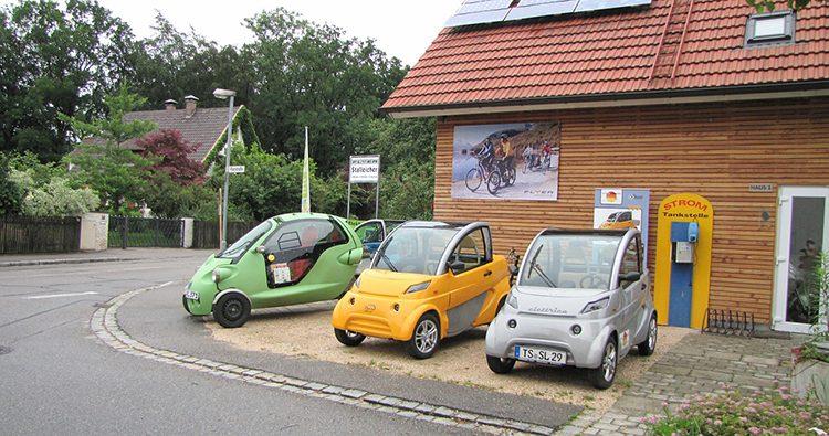 Haushalte sehen große Bedeutung in Solaranlagen und Elektromobilen