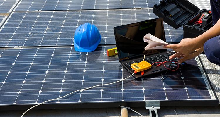 Norm-gerechte Inspektion der Photovoltaik-Anlage