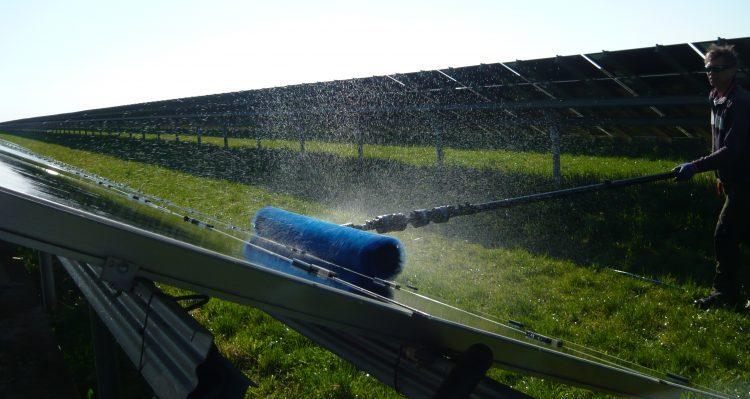Ergebnisse der Reinigungsstudie: Die Reinigung von PV-Freiflächenanlagen lohnt sich
