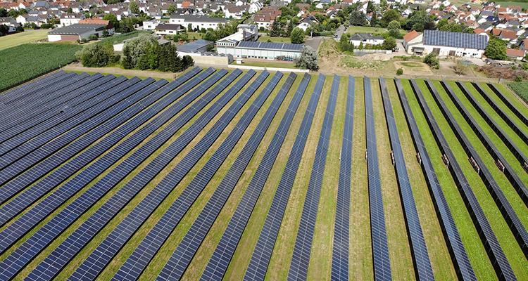 PV-Zubau im Juli: 265 statt 270 Megawatt aufgrund von Meldefehler – Förderung sinkt